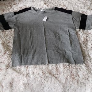 🎈🎈🎈Brand 🆕 Old Navy Box Top size M